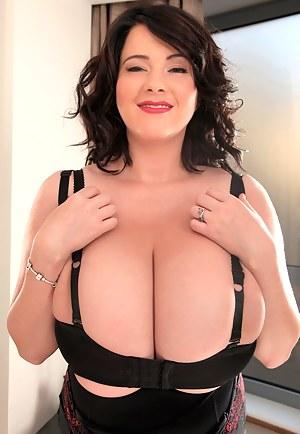 Big Tits Bizarre Porn Pictures